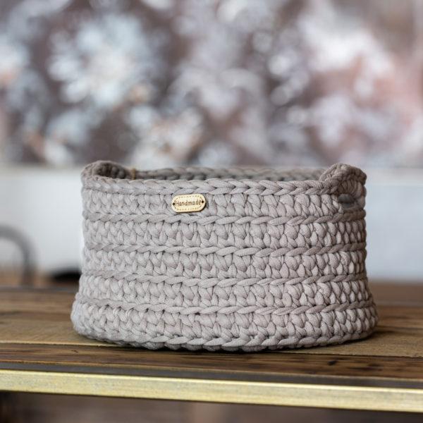Ručně pletený košík – kulatý – světle šedá